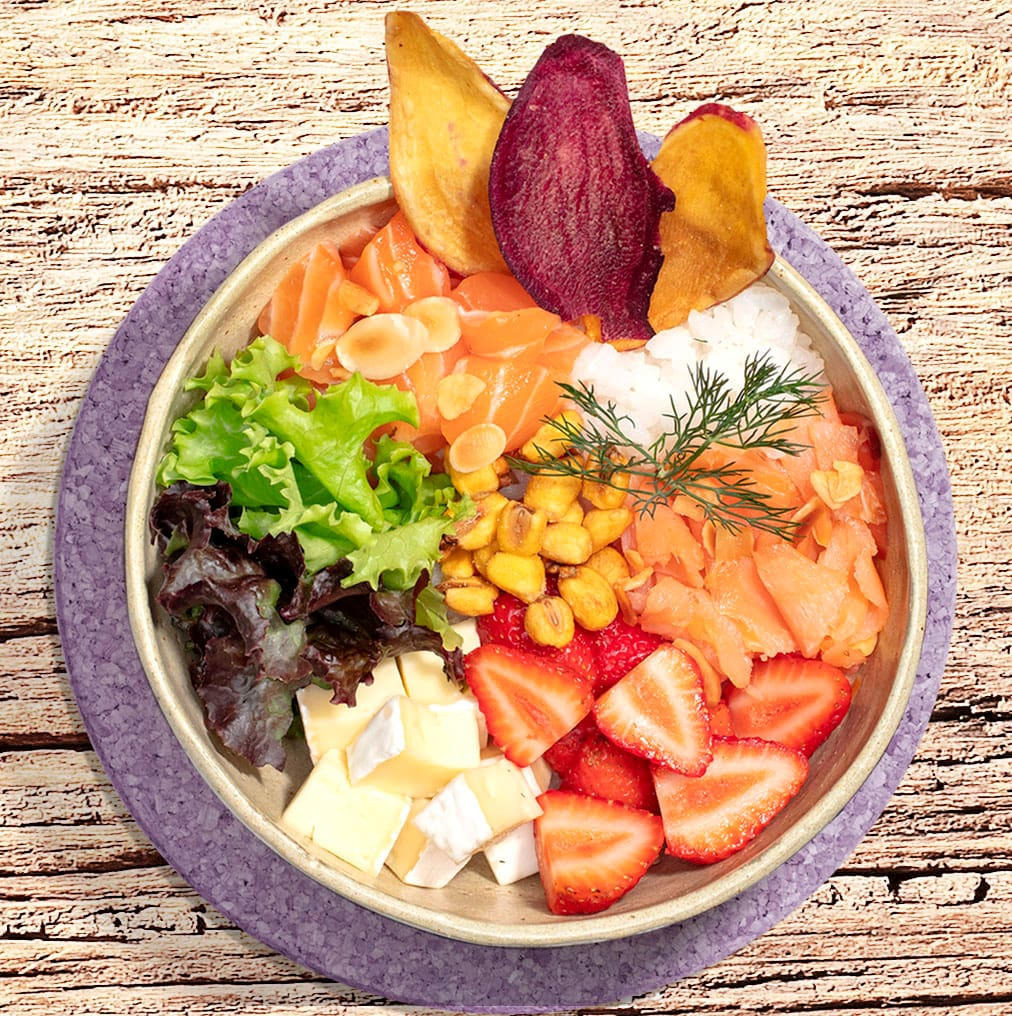 Fish Bowl Pokes, Saladas e Rolls