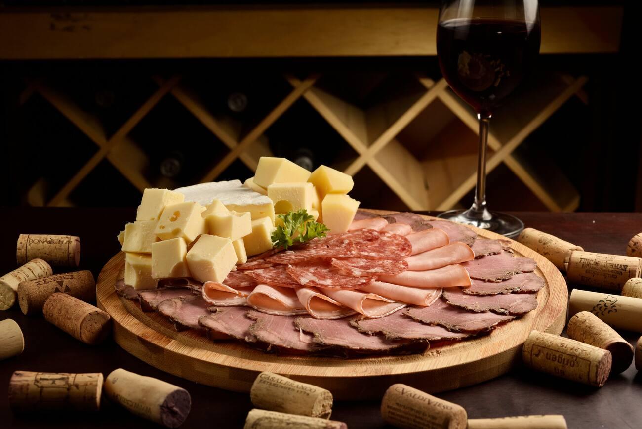 Serrado Vinhos e Bistro