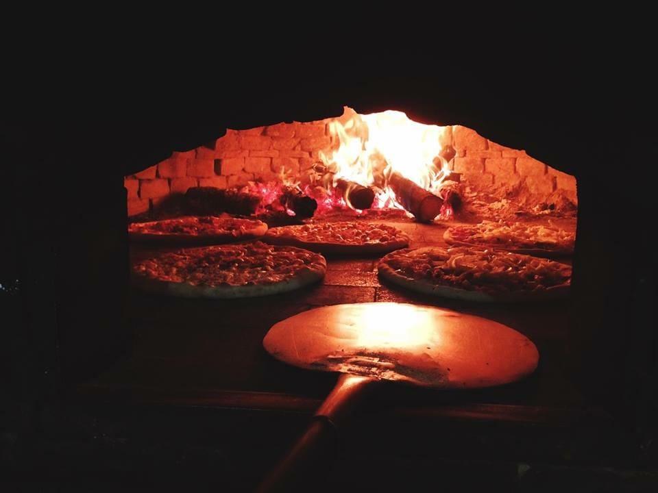 Torre de Pizza Delivery