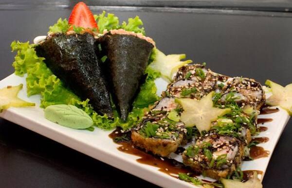 Temaki de salmão + hot roll 10 unidades