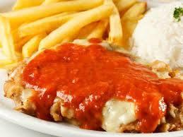 Parmegiana de carne ou frango