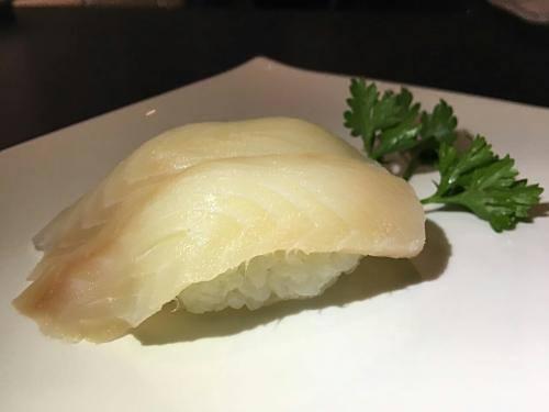102 – niguiri peixe branco do dia
