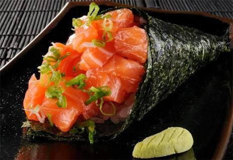 162 – temaki salmão