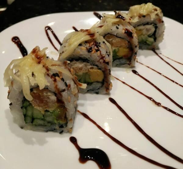 76 – uramaki camarão parmesão