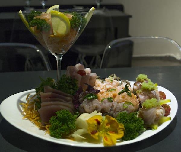 200 – sushi e sashimi sem arroz (22 un. Para 1 à 2 pessoas)