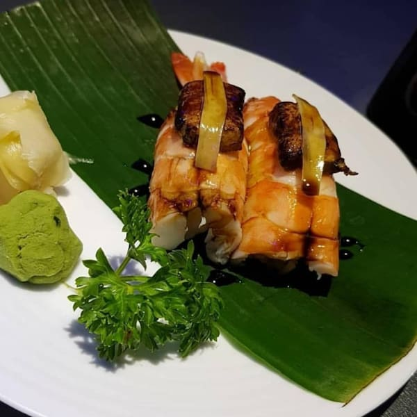 109 – niguiri camarão foie gras