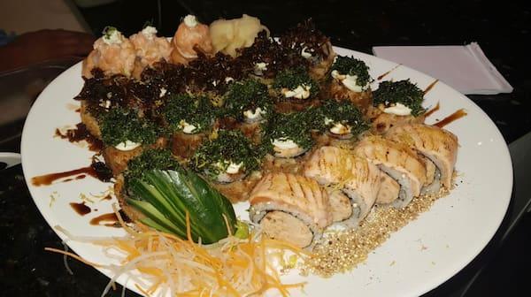 201 - sushi gourmet nada cru (22 un. Para 1 a 2 pessoas)