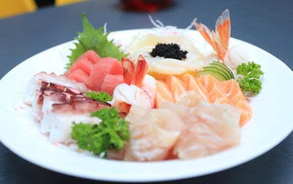 190 – sashimi gourmet (24 un. Para 1 a 2 pessoas)