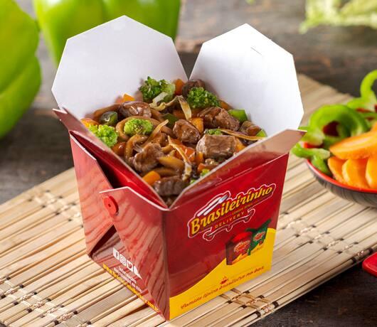 Box yakisoba de carne