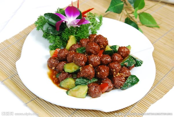47-almondega carne moida com pepino molho shoyou