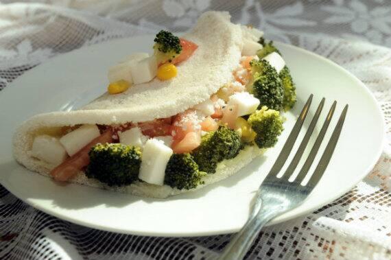 Combo 34 : tapioca  p recheio   frango c/ Catupiry ,brocolis + suco de açai   300 ml