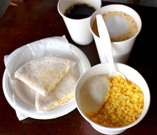 Combo 1:tapioca  p de  queijo mussarela + pingado