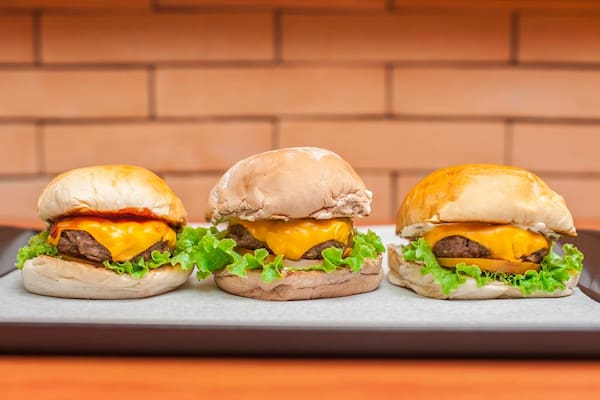 Leve 03 Pague 02 - Butecu's Burger Burgerzinho