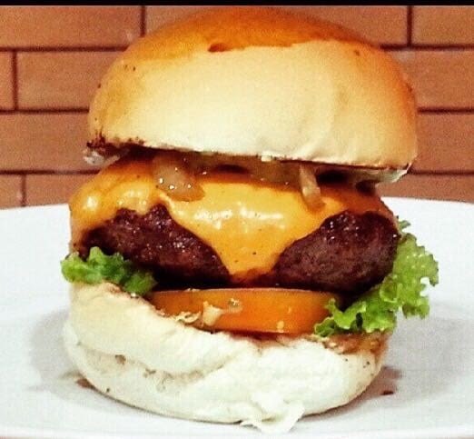 Combo Butecu´s Burger Hot + Fries + Refri
