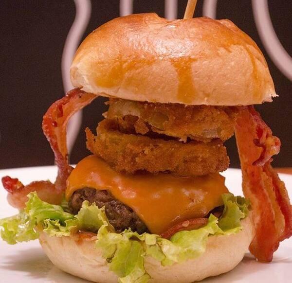 Combo Butecu´s Burger Onion + Fries + Refri