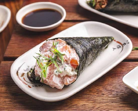 Temaki de salmão completo