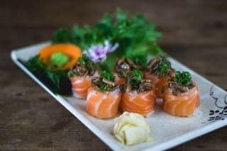 Dyo de salmão com shimeji (6 un.)