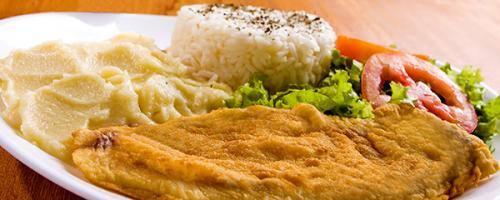 Filé de peixe empanado