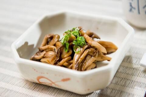 Porçao cogumelos shimeji  e shitake  - porção vegetariana.