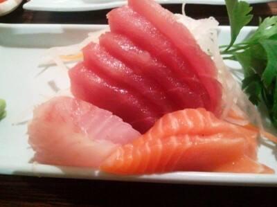 Combo 8 - 20 Pecas de Sashimi  (10 salmão+ 5 atum+ 5 peixe branco.)