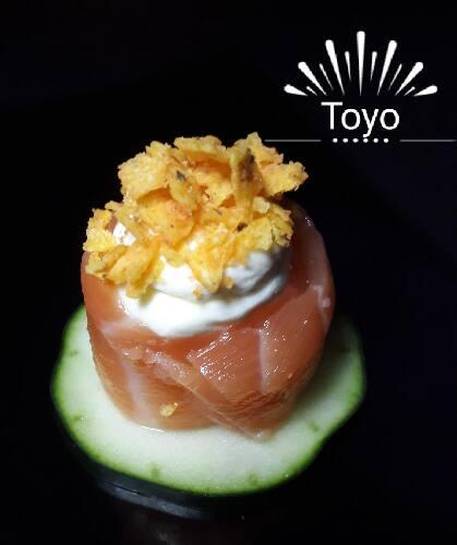 Sushi jo salmão com creme cheese e Doritos - ( gukan ).