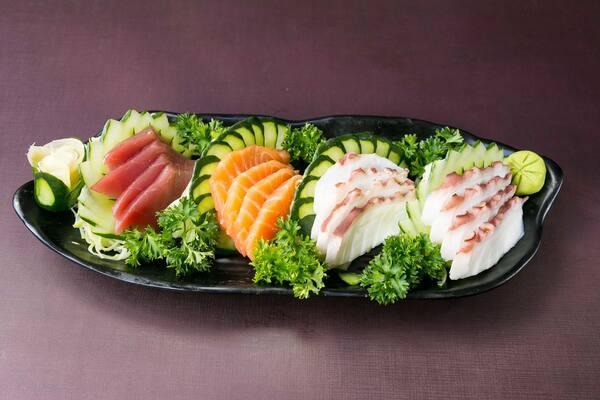 Sashimi mix (16 unidades)