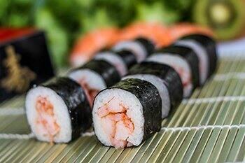 28 - hossomaki camarão (8 unidades)