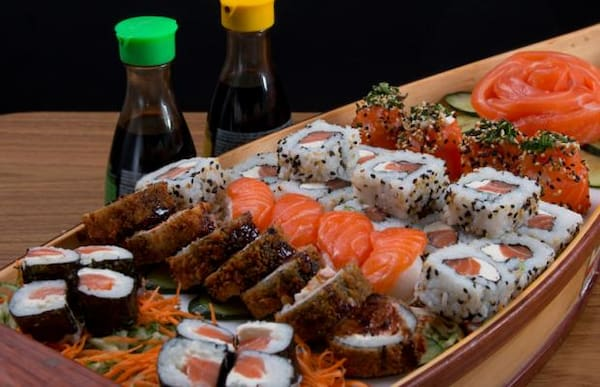77 - combo mix 40 peças variadas de sushis