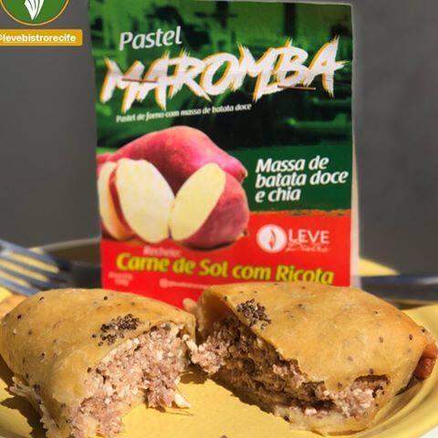 Pastel maromba - carne de sol com ricota