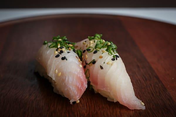 Sushi peixe branco (4 pçs)