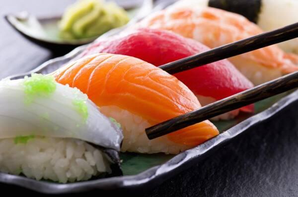 Dupla de nigiri salmão
