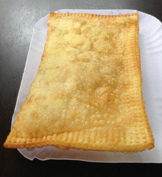 2 pasteis grandes+ guaravita