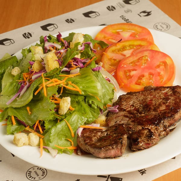 Salada + filé mignon