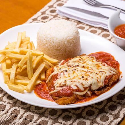 Marmitex de frango ou bife a parmegianna (frango ou carne) + 2 acompanhamentos