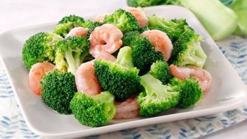 60- camarão com brócolis