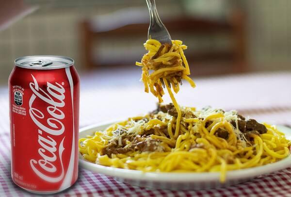 Combo de macarrão individual + coca cola lata