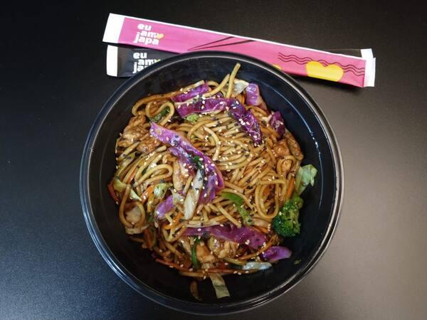 Yakisoba carne