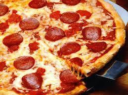 Pizza lanche 1: calabresa (broto) + refrigerante lata