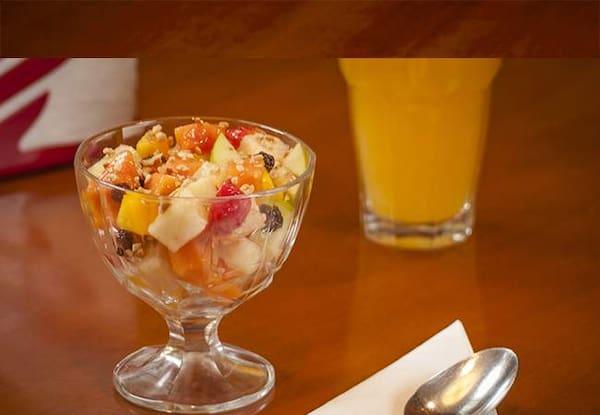 Salada de frutas com frozen