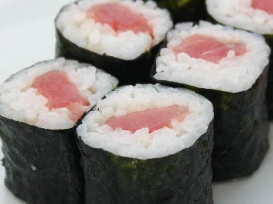Hossomaki atum cream cheese