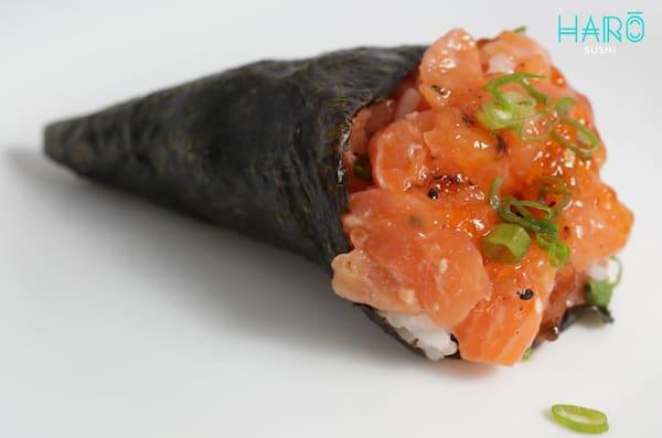 Temaki salmão picante