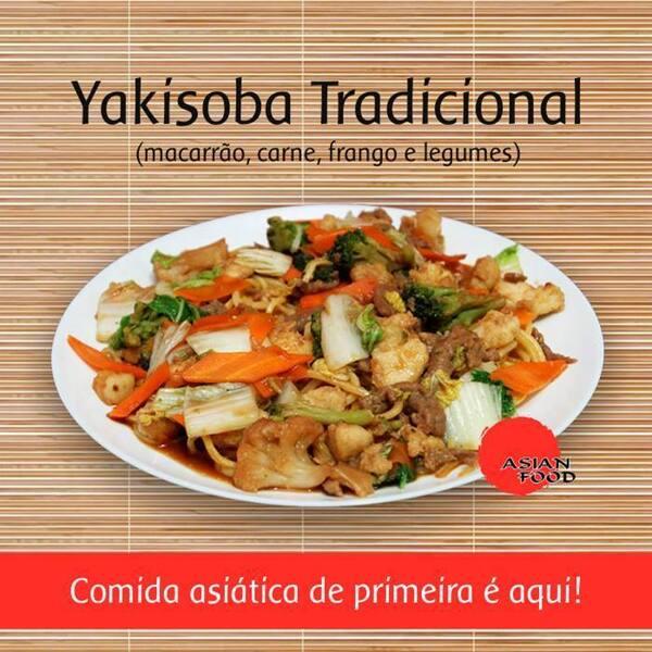 Yakissoba carne e frango - serve 2 pessoas