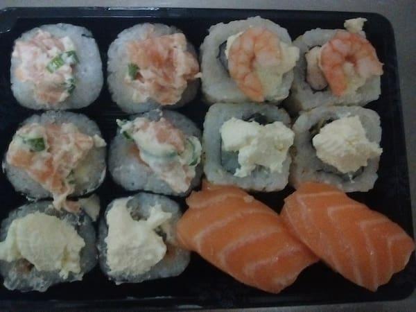 Combinado sushi - 12 peças