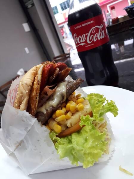 Superman x-tudo(file) + coca lata + batata frita