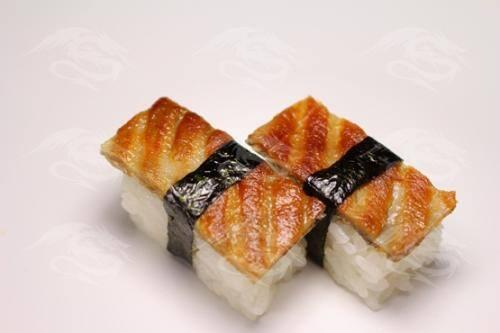 Niguiri skin - pele de salmão grelhada