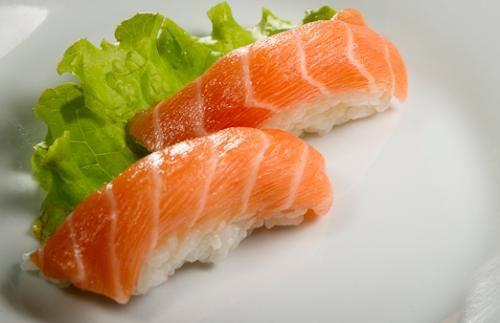 Sushi (pares) salmão