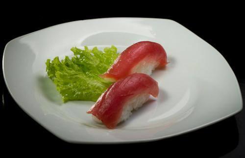 Sushi (pares) atum