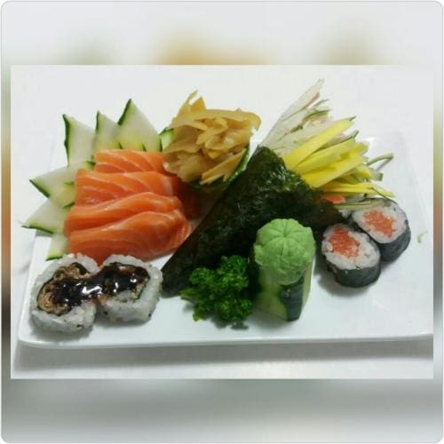 Combo 1 temaki california + 4 sashimi salmão+ 4 makimonos + 1 guarana 269 ml
