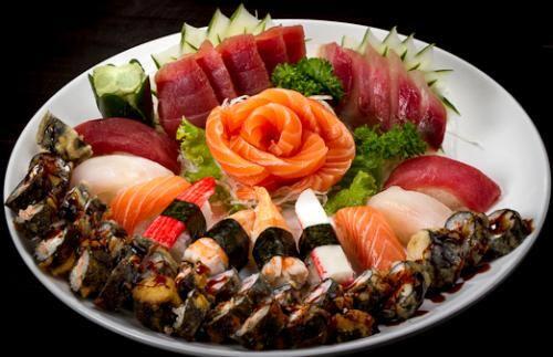 Combinados especialidades ii (12 sushis, 15 sashimis, 16 hot holls diversos)