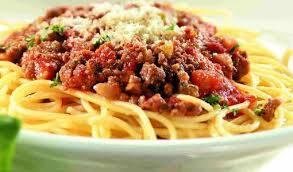 Espaguete a bolonhesa + mini lata refri